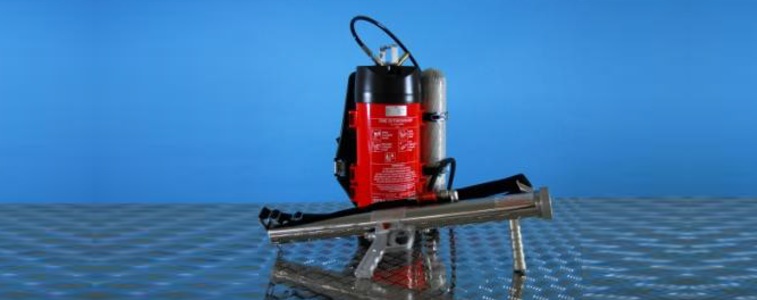 extinguishing agent container + Compressed air cylinder
